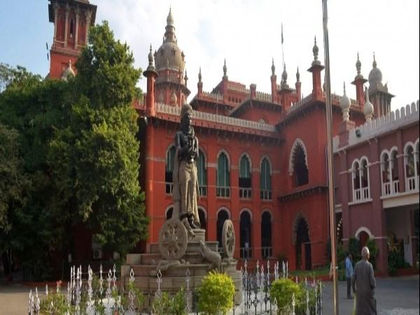 chennai high court said monitor tn govt gaja relief fund to people