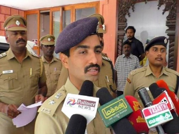 tn-kerala-police-officials-meeting-in-courtallam