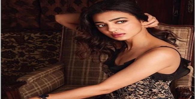 actress radhika apte release hot image in Instagram
