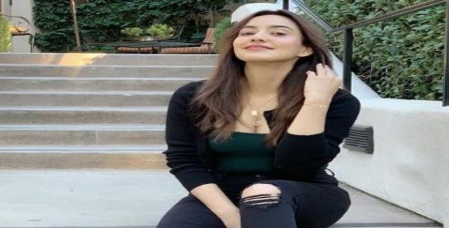 actress nesha sharma release cute image in Instagram