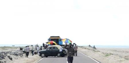 IN DHANUSHKODI MOVIE SHOOTING GOING ON NO TOURIST ALLOWED UNDER ON RED ALERT