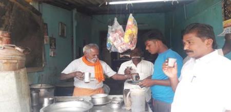 thanjai tea shop elder owner makes proud