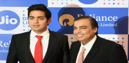 aakash ambani who donated 500 kg of gold to the future wife