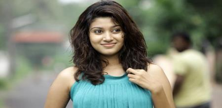 Oviya fulfilled the request of fans