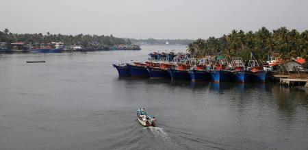 tamilnadu peoples are illegal entry to new z eland., their ship now missing with 100 members