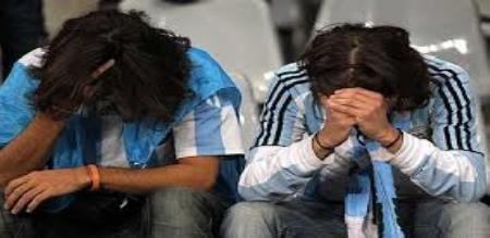 The argentina was overwhelmed by the tears when they lost the match against  croacia in the World Cup football match.