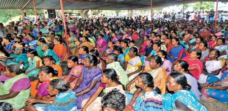 10 VILLAGE PEOPLE PROTEST AGAINST SIVAGANGAI POLICE