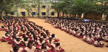 USA SCHOOL STUDENT COME TO LEARN IN TN GOVT SCHOOL