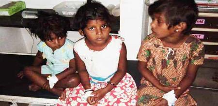 a lady and her child attempt suicide in karur