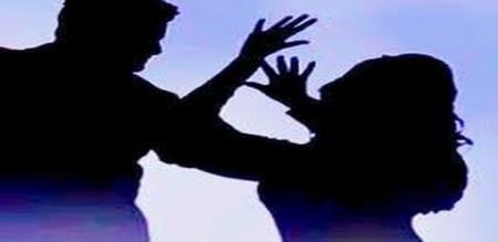 A man murdered his wife in bus stand