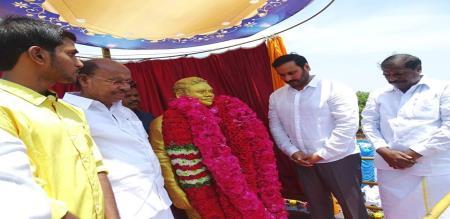 dr ramadoss opend j.guru mla statue in dindivanam