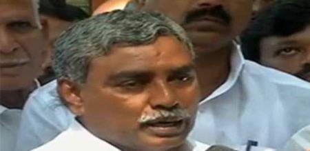 poondi kalaivanan blamed admk for stopping by election of thiruvarur