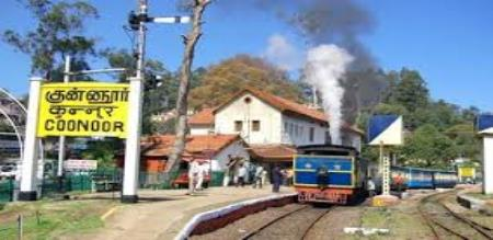 IN OOTY KUNNUR A BUILDINGS ARE SEEN TO HOLLYWOOD MOVIES