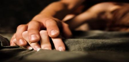 illegal affairs couple commits suicide in running bus