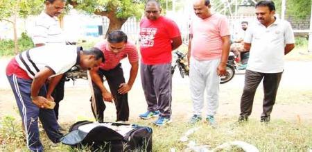 stolen bag in erode railway colony