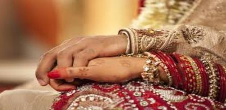 wife commits suicide for husband scolding