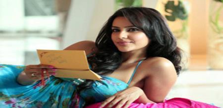 priya anand answered to netisan who tease harshly her