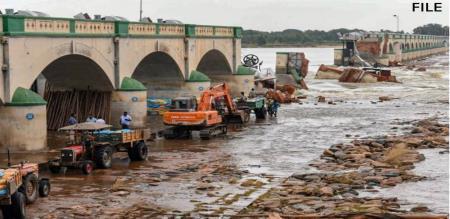 Trichy Mokkombu Dam Help Central Govt