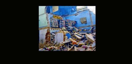 3 floor building demolished