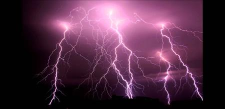 a lady was died by a thundering