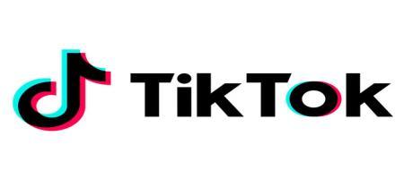 Salesman struggled by tik tak video front of police Station