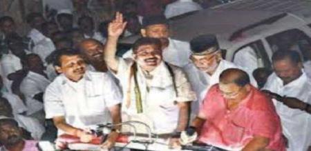 dinakaran supporter arrested