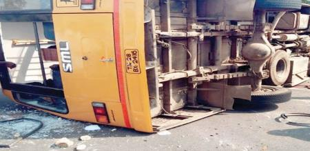 school van accident, one people died 32 students injured