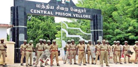 VELLORE JAIL PRISONER ATROCITY REFUSE PRISON WARDEN