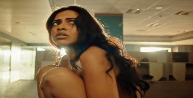 aadai movie director sorry for amala paul