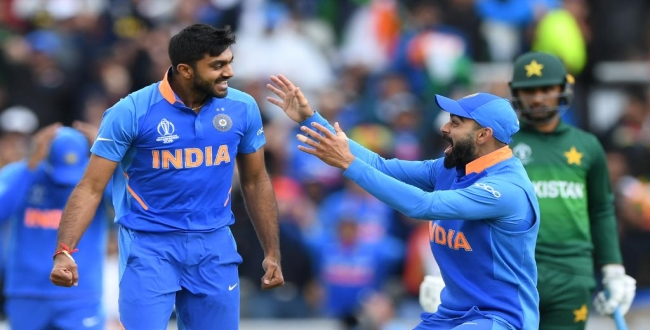 vijay shankar took wicket in his first ball of CWC19