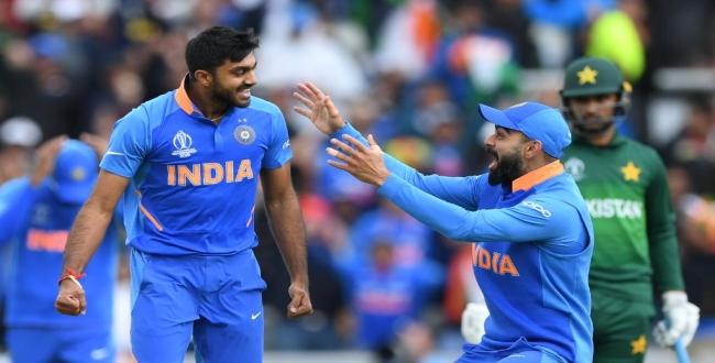 vijay shankar took wicket in his first ball of CWC19