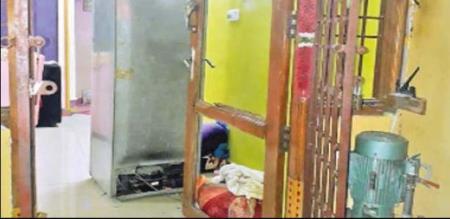 door blast in chennai unknown reason