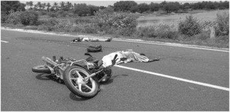 in thiruvannamalai youngster struggled in accident and died