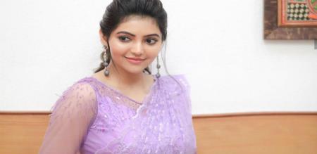 Actress athulya Ravi video on Instagram