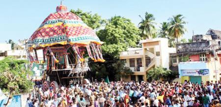 Thiruvarur azhither celebrate by tn peoples