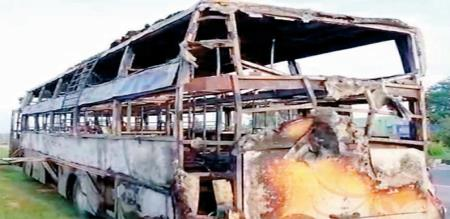 in Bangalore bus burned lucky passengers escape by driver