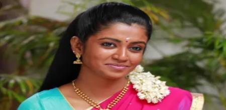 bharathi kannama serial heroin stylish look