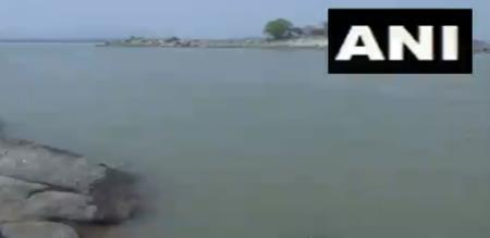 Assam Brahmaputra river cleaned due to stops industry corona curfew