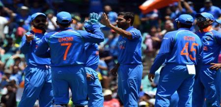 Australia shocking start in Adelaide ODI