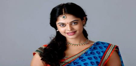 bindhu madhavi liplock video
