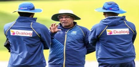 srilankan coach resigned
