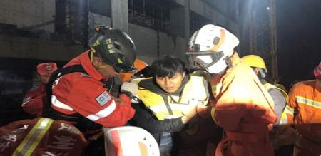 in china construction site collapse workers died