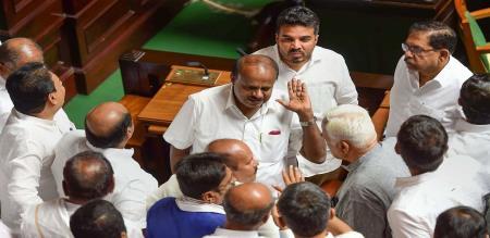 Kumaraswamy announcement for vote of confidence