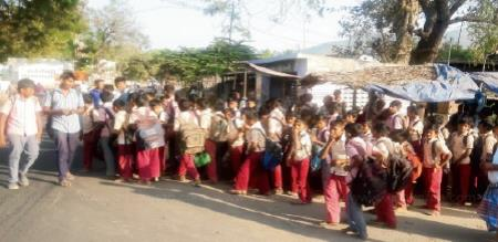 Namakkal Near - No Government  Bus Angry Students