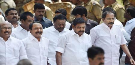 admk mla and minister fight