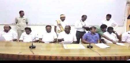 admk ministers meeting for perungamanallur