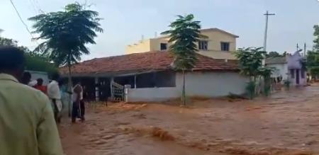 Telangana village Flood due to broken pond