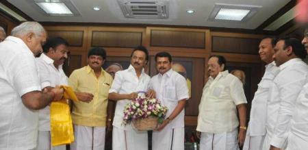 senthil balaji may be join rajini party