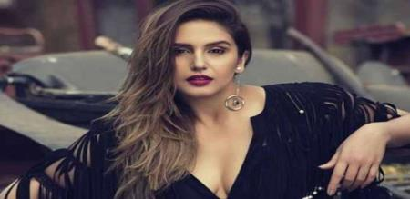 actress huma qureshi hot photos
