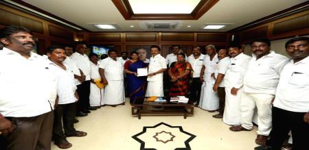 pon radhakrishnan say dmk and congress mps